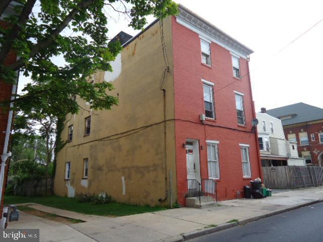 205 JEFFERSON AVENUE, YORK, PA 17401