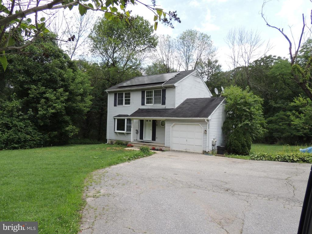 Back on the market with new carpet!  3bed/2.5 bath home in the Carney area of Bal Co. Privately situated back off the road this home sits on almost an acre of land and backs to woods and a stream! Large rooms....great location.... pets welcome on a case by case basis. Please... no smokers. Credit check required. SOLAR PANELS TO REDUCE YOUR ELECTRIC BILL! Property is NOT registered with Section 8 or other vouchers.