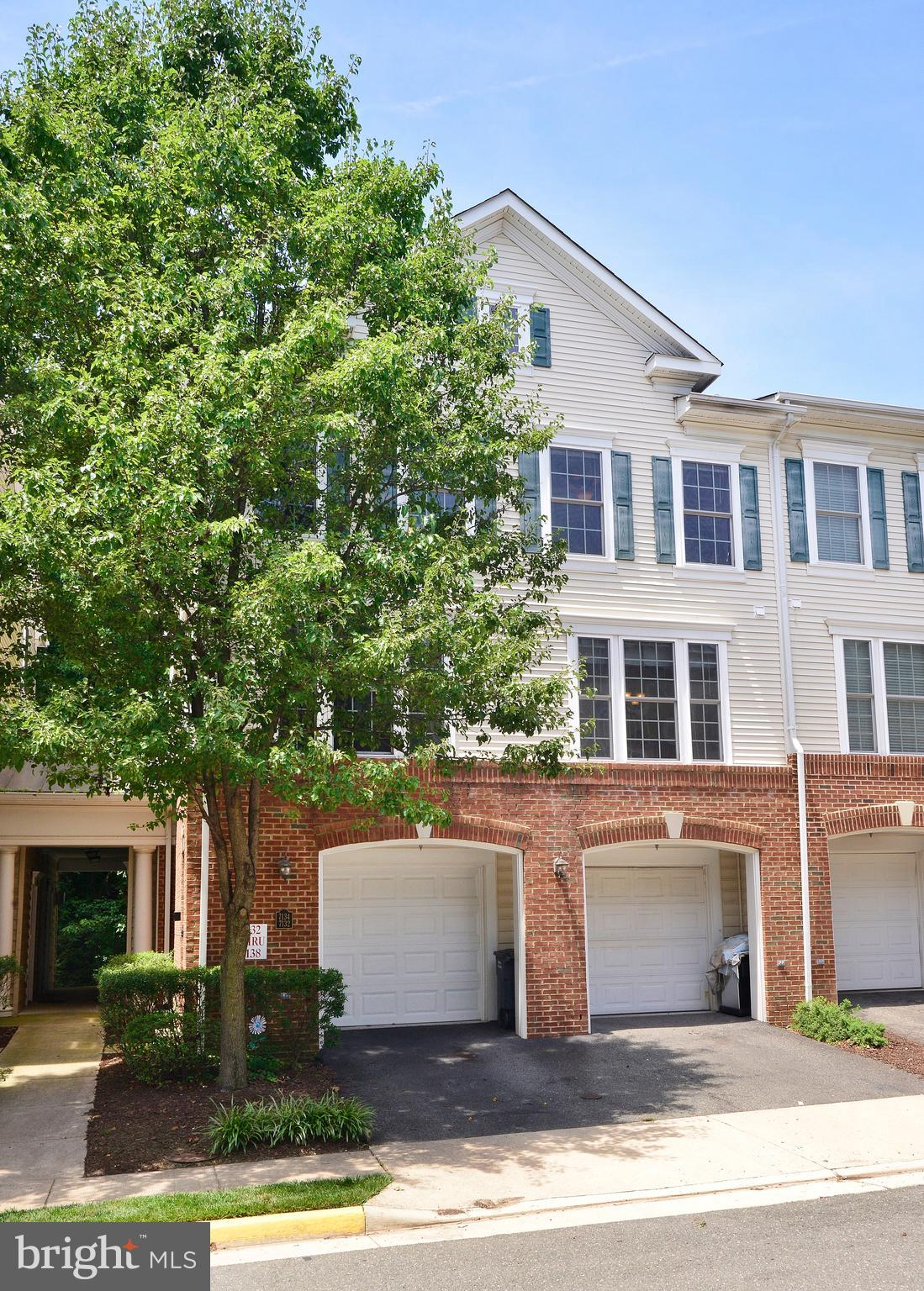 Awesome 3BR/2.5BA End Unit Townhouse w/ Garage! Open floorplan w/ high ceilings & gorgeous hardwoods on main lvl. Kit w/ 42in maple cabs, granite, SS applncs! Crown moulding, chair rails, wainscoting. Recent flooring & paint. Great location: 2.5 miles to Metro. So convenient to shopping,Ft Belvoir, Old Town, Pentagon, Future HQ2, DC! Nature lovers: just 4 blocks to Huntley Meadows Park!