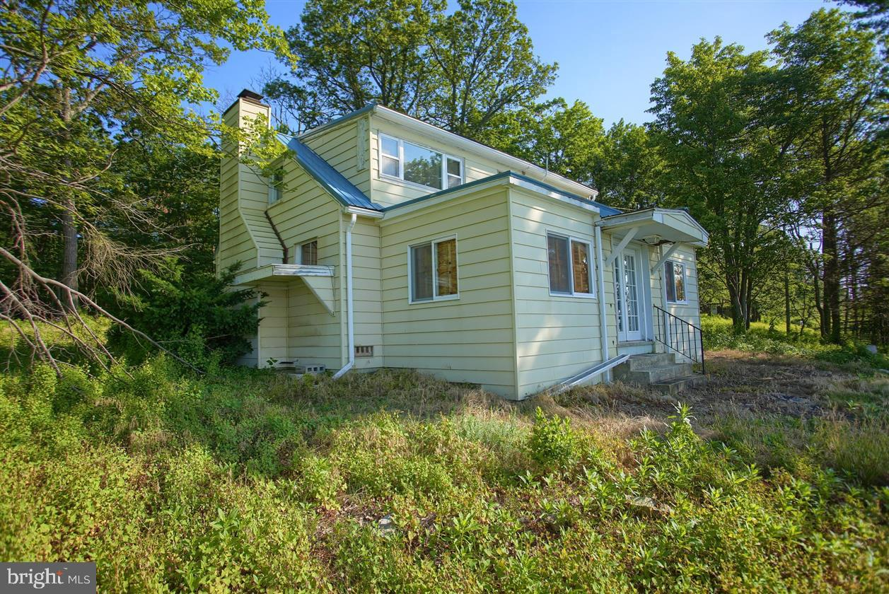 21 Mountain Top Drive, Newville, PA 17241
