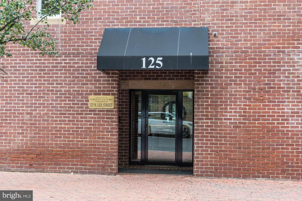 125 N Lee St #Dh504, Alexandria, VA 22314