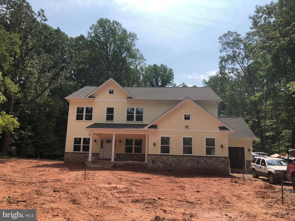 NEW CONSTRUCTION BUILT HOME! 2 STORY 3,386 SF., ON 1.33 ACRE LOT. 4 BEDROOMS, 3.5 BATHS. 3 CAR GARAGE (917 SF.) NO HOA!UNFINISHED BASEMENT (1,586 SF.) AND A BUILT SHED.