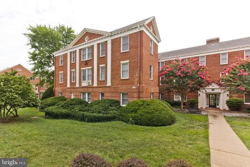 906 S Washington St #303, Alexandria 22314