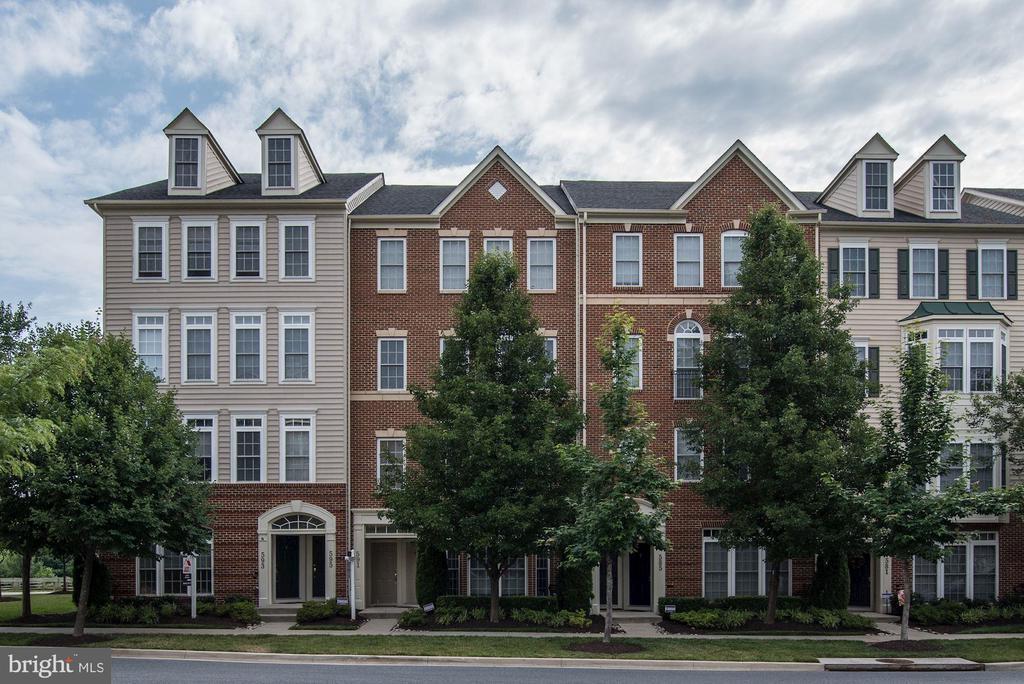 591  WHETSTONE GLEN STREET, Gaithersburg, Maryland