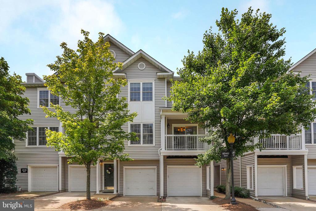Fairfax Homes for Sale -  Gated,  4618  SUPERIOR SQUARE