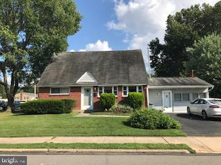 2348 ARMSTRONG AVENUE, HOLMES, PA 19043