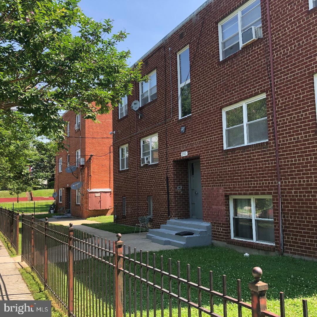 205-209 61ST STREET NE, WASHINGTON, DC 20019