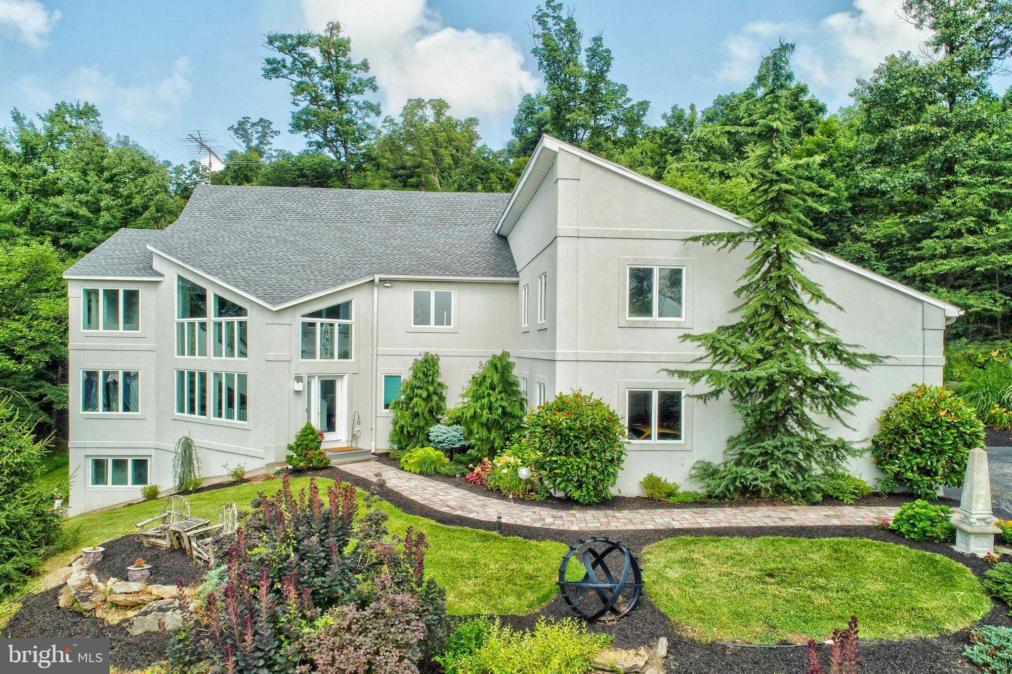 425 SCOUT RIDGE LANE, HELLAM, PA 17406