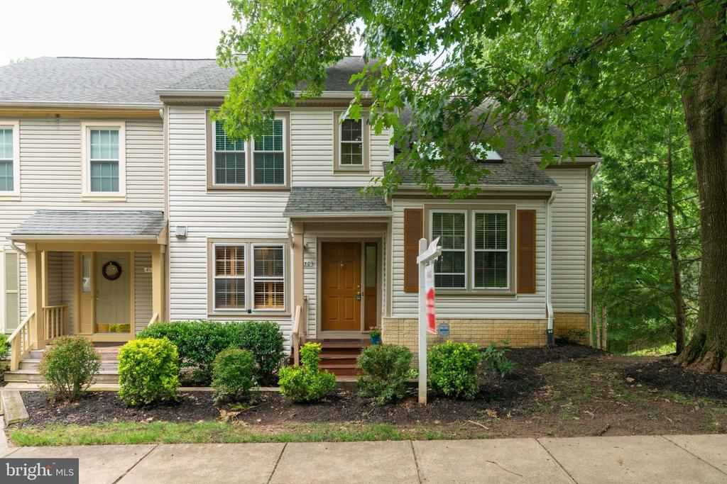 One of West Springfield 4 Bedroom Homes for Sale at 8130  CLIFFVIEW AVENUE