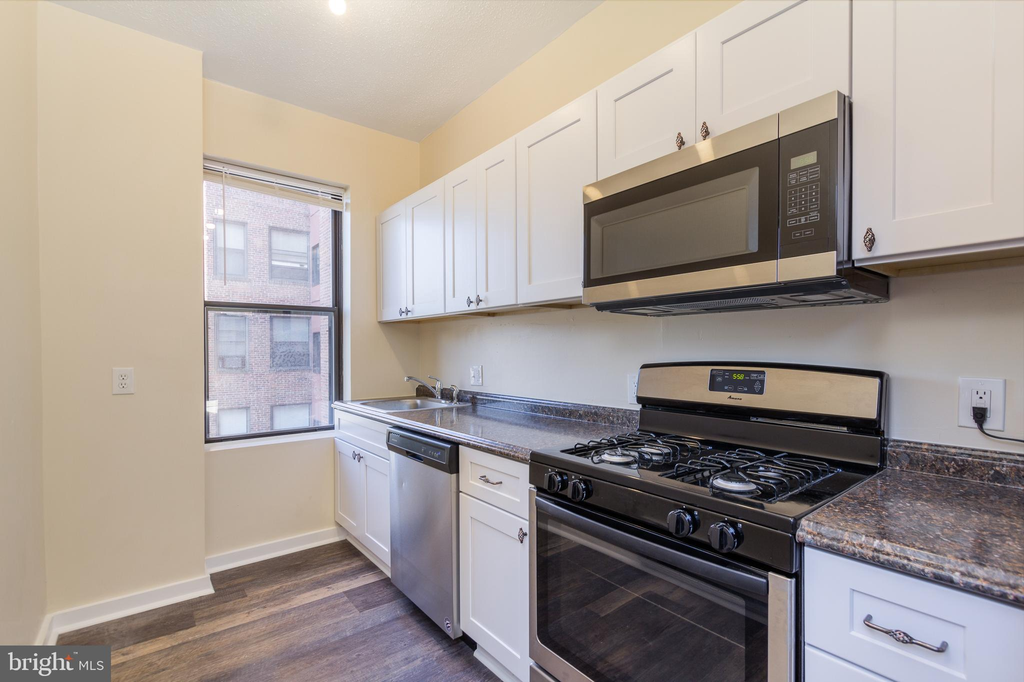 BEAUTIFULLY UPDATED CONDO! Located in Historic Mount Vernon within walking distance to Penn Station, Shops, Restaurants and much more.   Well designed studio unit to maximize space with an updated kitchen and bath.  Enjoy your time on the roof top deck with 360 degree views of the city. Off street parking available in the garage for a separate fee when available. A full service building with a 24-hr front desk. Check out this unit today!