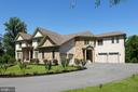 1005 White Chimney Ct