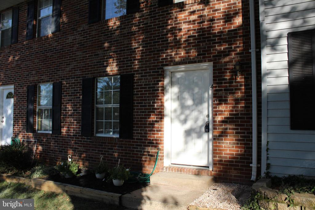 One of Fauquier County 2 Bedroom Homes for Sale at 4  KINGSBRIDGE COURT