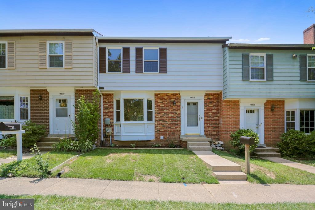 One of Gaithersburg 3 Bedroom Homes for Sale at 18606  GROSBEAK TERRACE