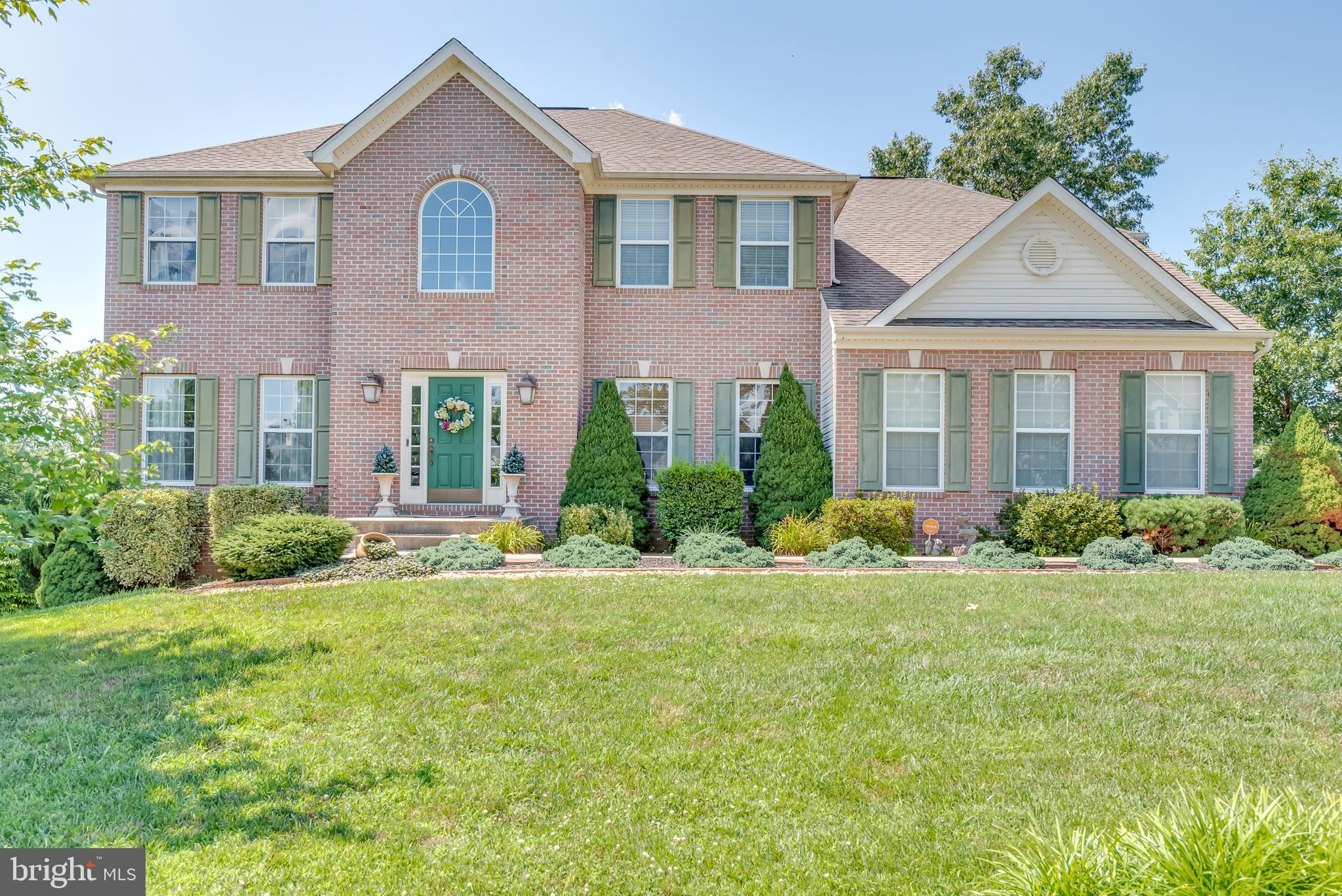597 TRIUMPHANT, FALLING WATERS, WV 25419