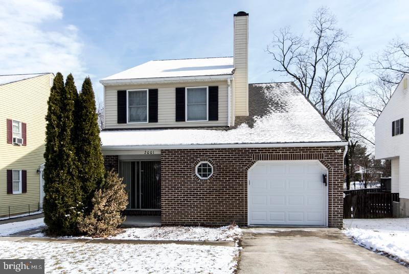 Perfect 3 br, 2.5 bath house located in central Timonium, with eat-in kitchen, finished basement, rear deck, one car attached garage, central AC, and washer/dryer.