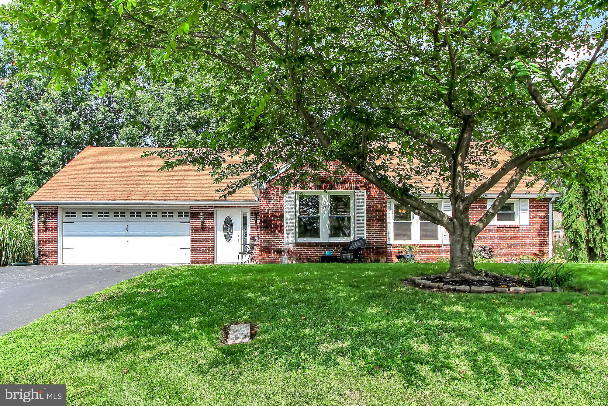 10 BOXWOOD ROAD, MANCHESTER, PA 17345