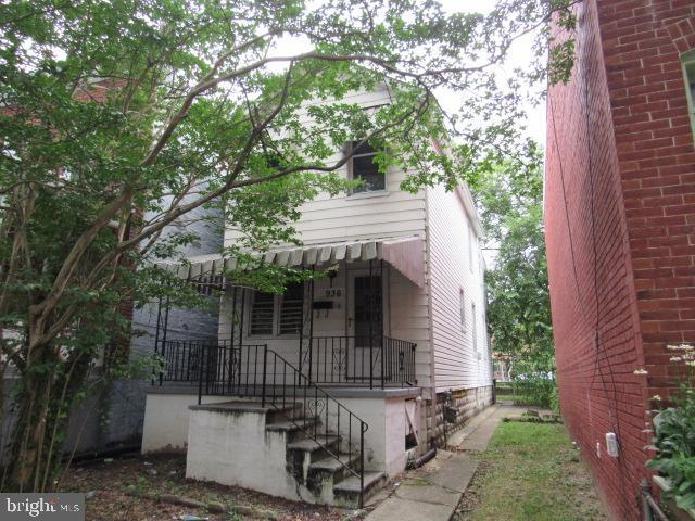 Built in 1900 and offering approximately 1344 finished square feet, this two stroy home has three bedrooms,one full and one half bath, hardwood floors, kitchen with white cabinetry, full unfinished basement andcovered front porch. Convenient access to I-83.