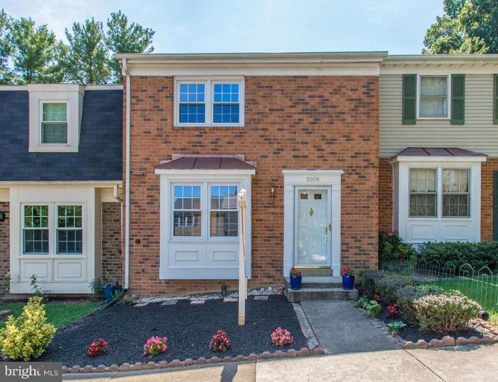 5009  HEAD COURT 22032 - One of Fairfax Homes for Sale