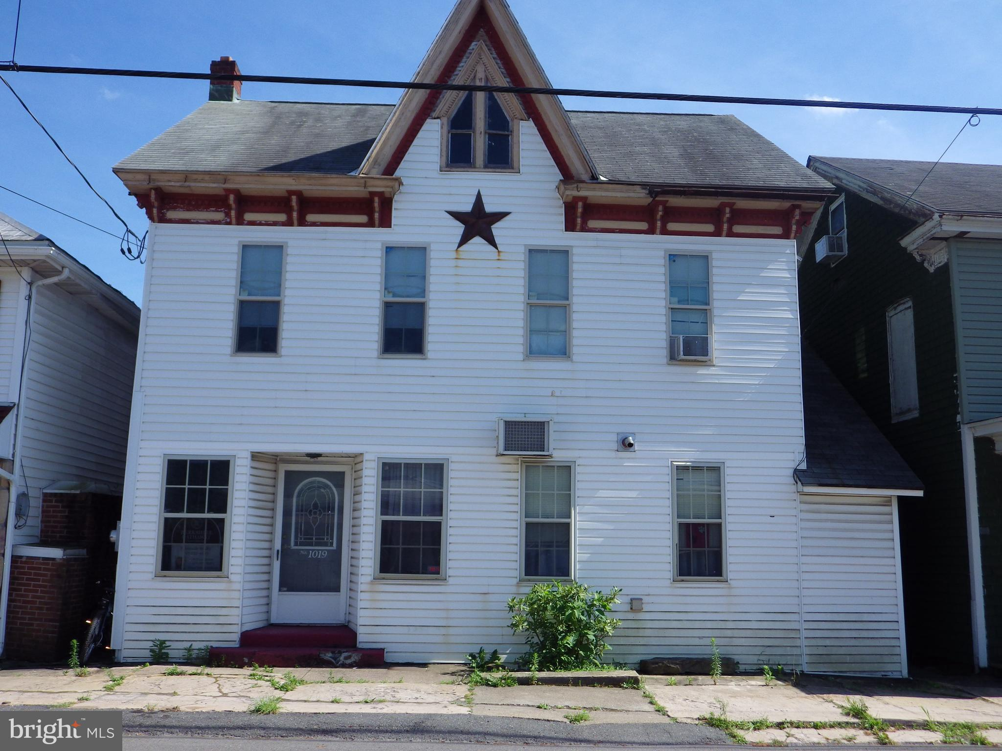 1019 W MAIN STREET, VALLEY VIEW, PA 17983