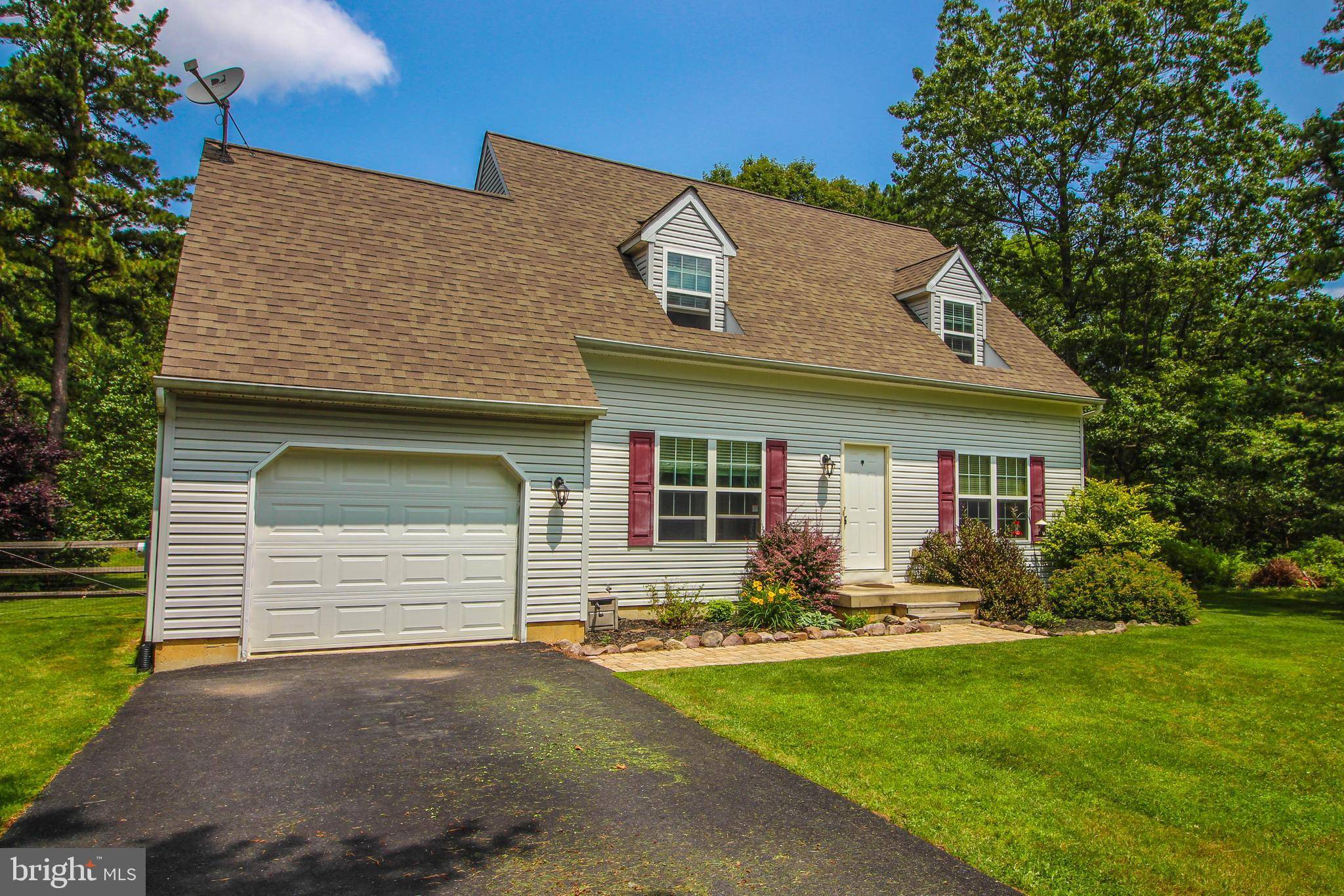 75 ROBERTSON ROAD, JIM THORPE, PA 18229