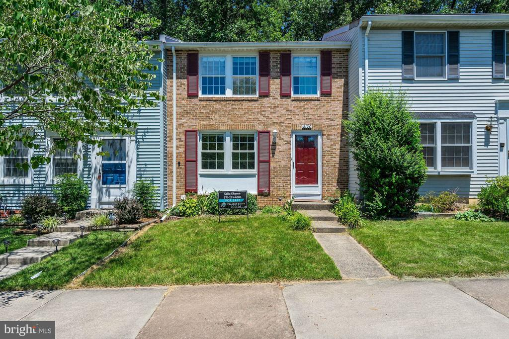 8100  LOVING FOREST COURT, West Springfield, Virginia