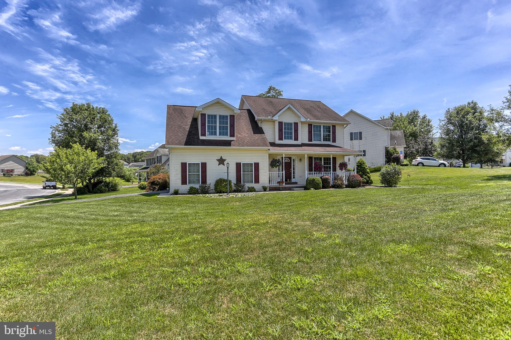 114 WOODVIEW DRIVE, MOUNT HOLLY SPRINGS, PA 17065