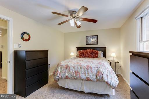 9006 Piney Grove Dr, Fairfax 22031