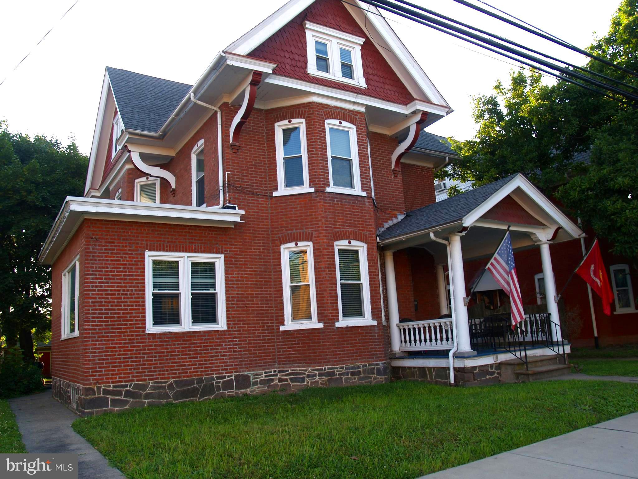 411 MAIN STREET, RED HILL, PA 18076