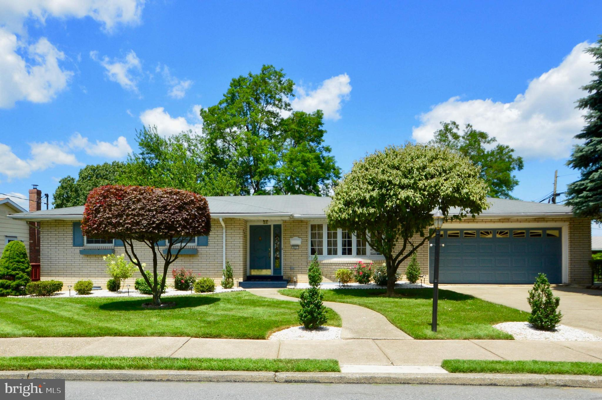 825 W CHEW STREET E, ALLENTOWN, PA 18109