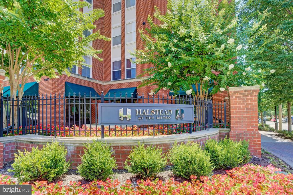 2665 Prosperity Ave #232, Fairfax, VA 22031