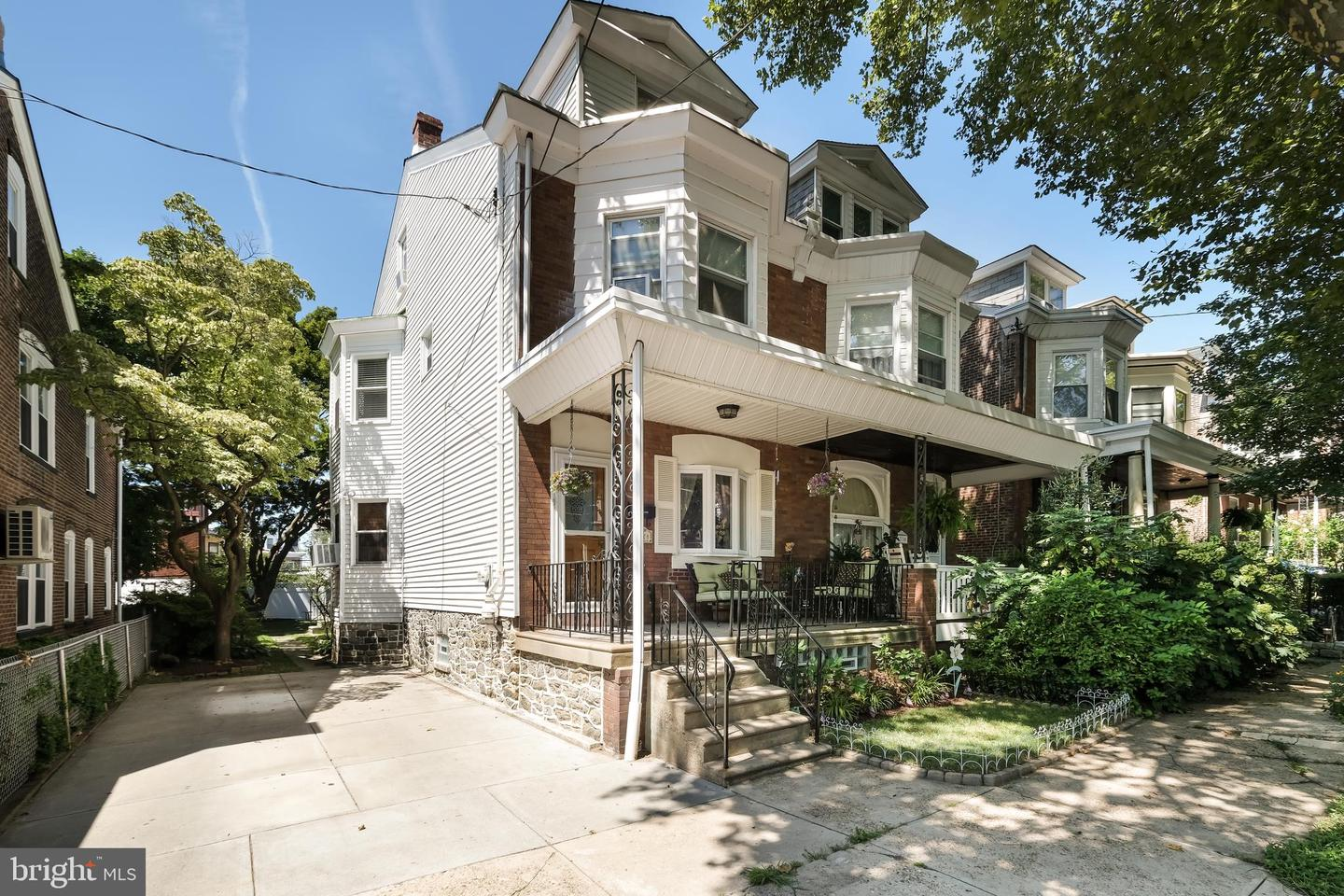 4328 Lauriston Street Philadelphia, PA 19128