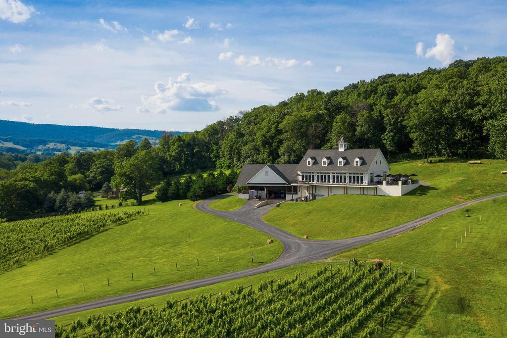 2187  WINCHESTER ROAD, Delaplane, Virginia