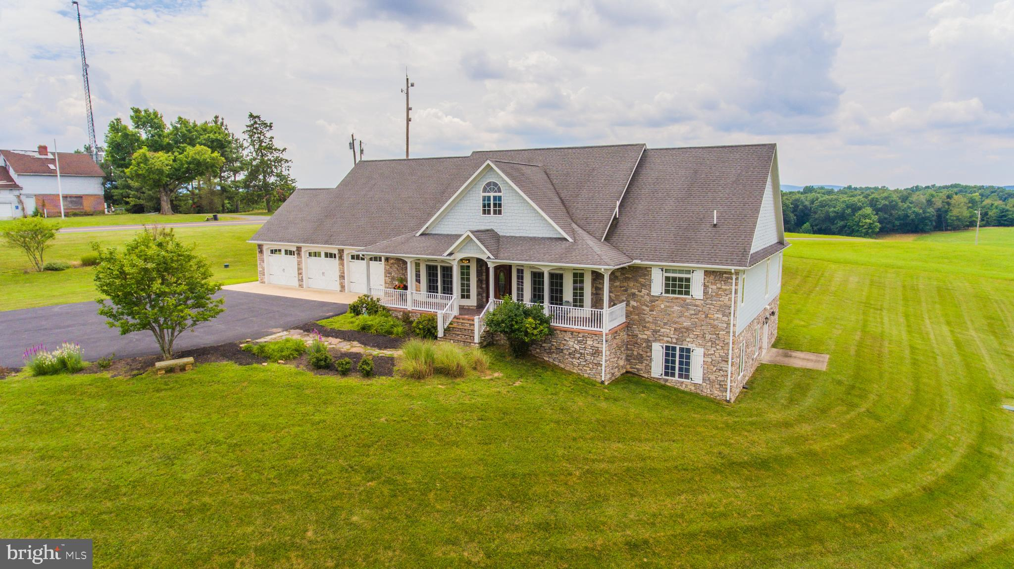 19 RACHEL LANE, BERKELEY SPRINGS, WV 25411