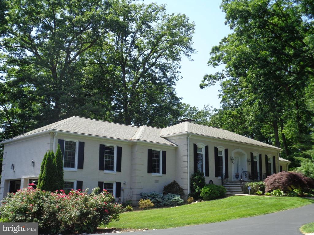 245 FAIRWAY DRIVE, HARRISONBURG, VA 22802