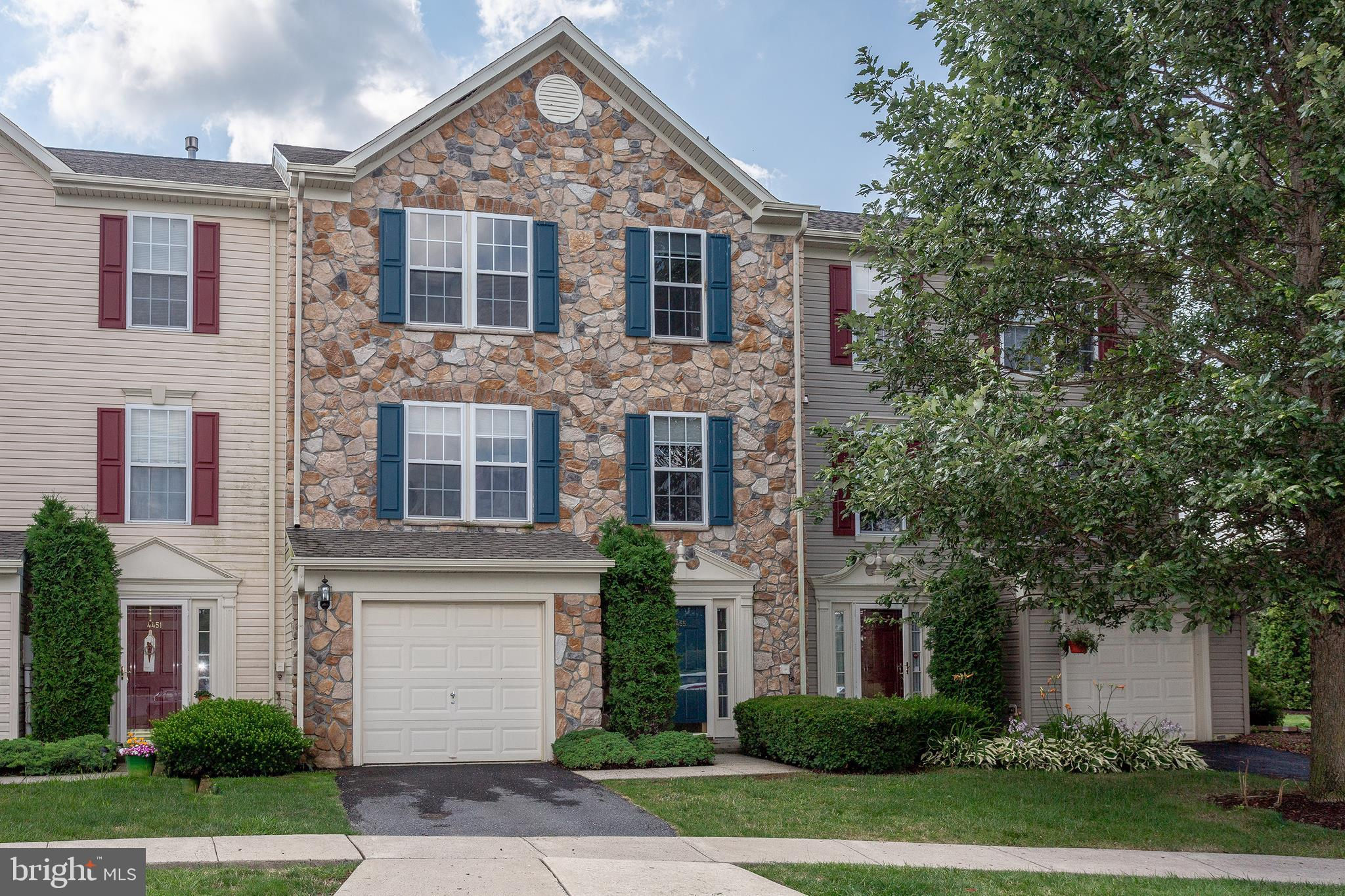 4455 GREENS COURT, CENTER VALLEY, PA 18034