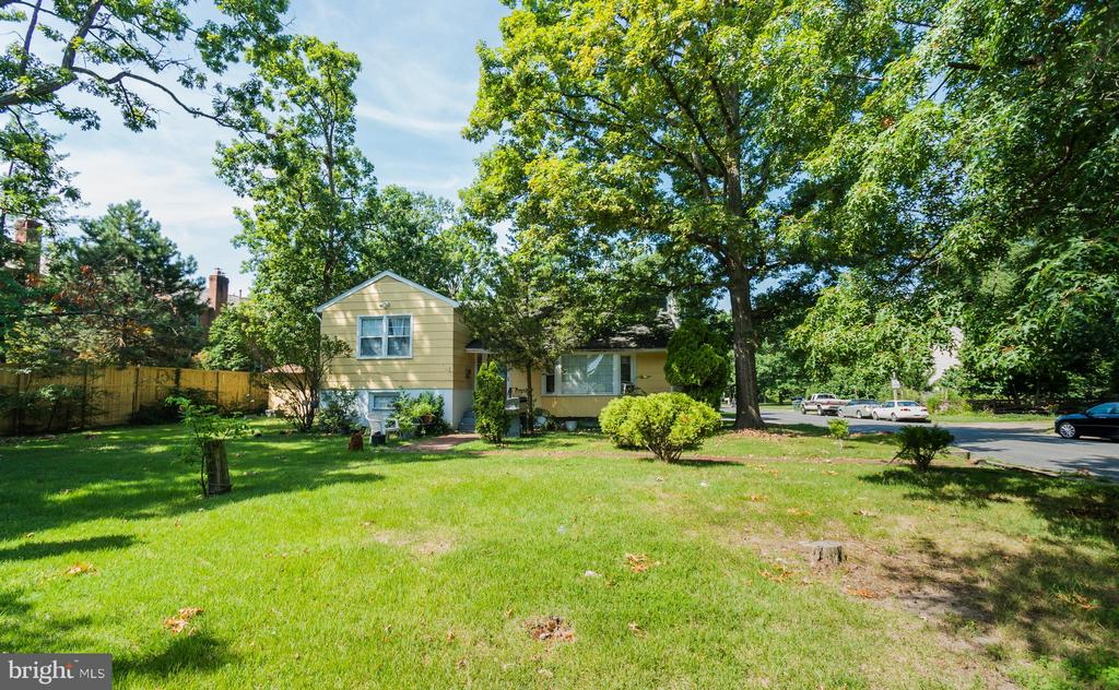 5216  SEMINARY ROAD, one of homes for sale in Alexandria