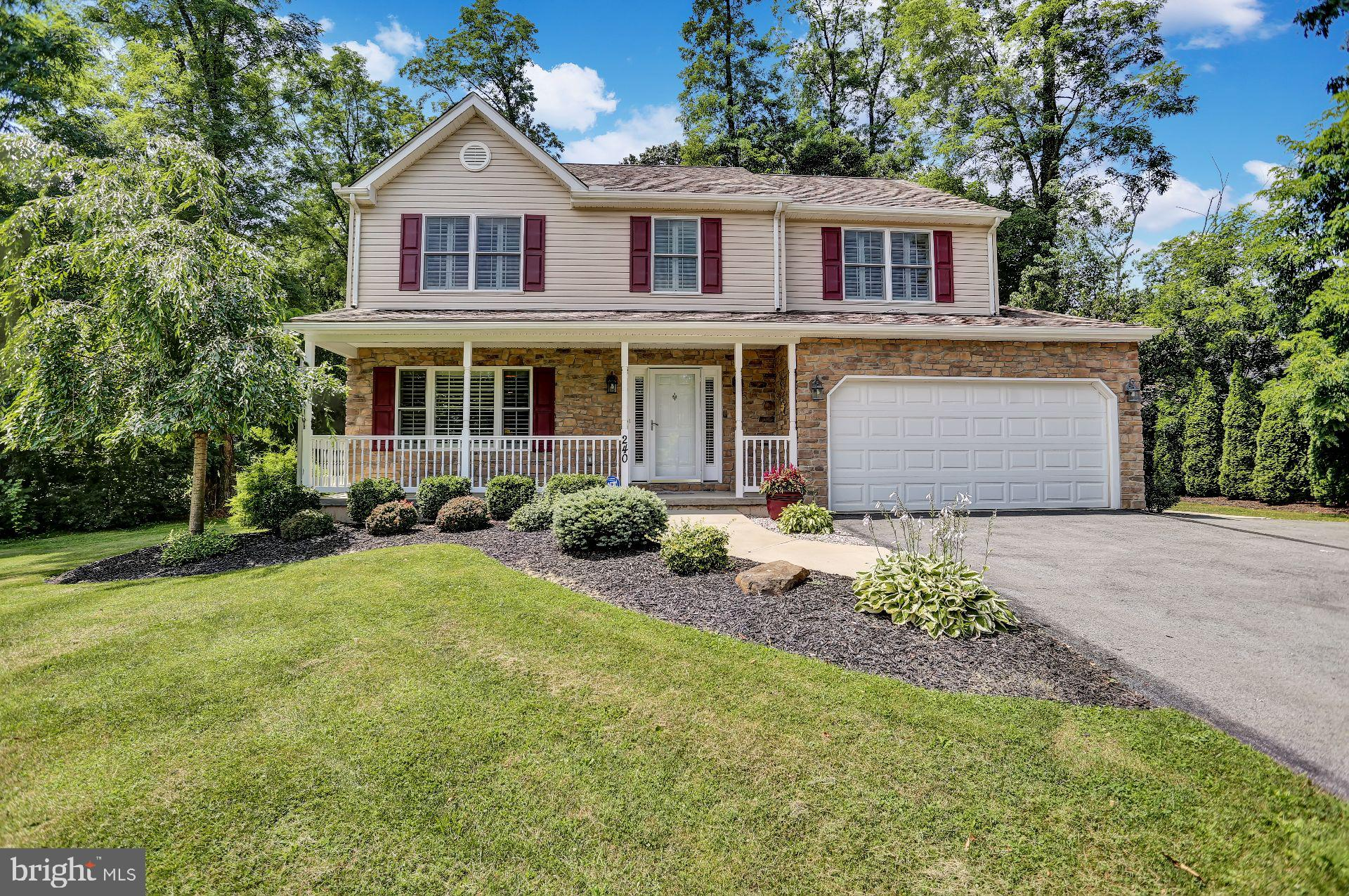 240 KROCKS ROAD, ALLENTOWN, PA 18104