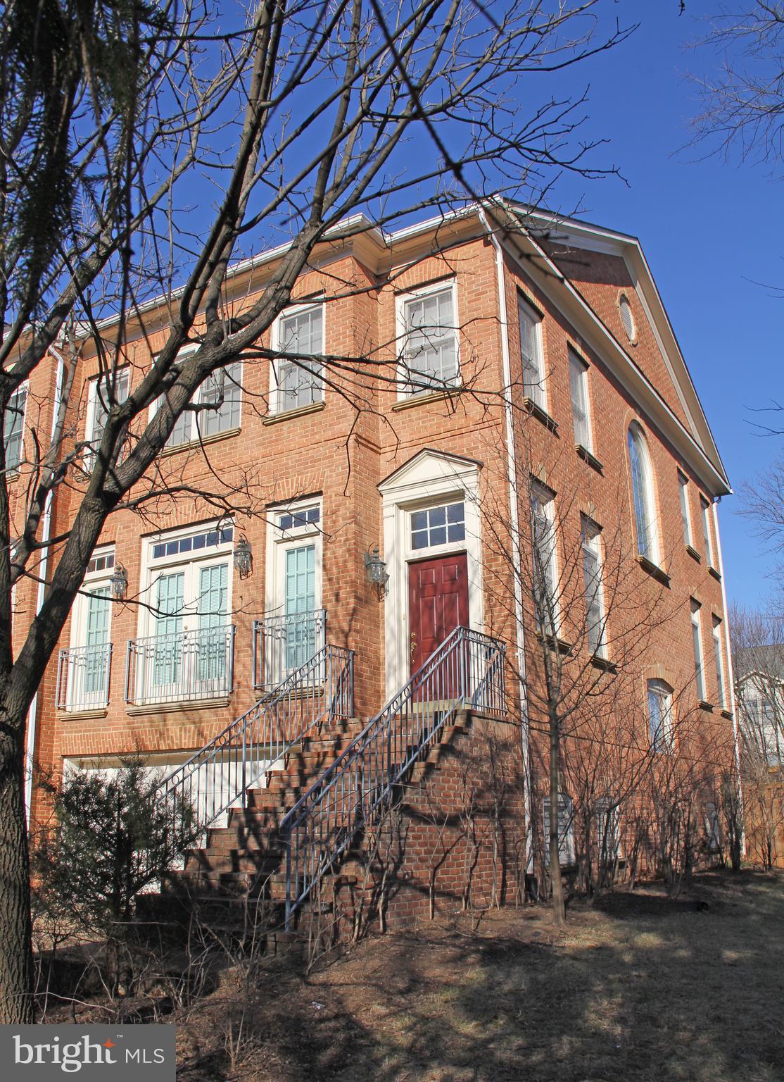 1817 FALLBROOK Ln, Vienna, VA, 22182