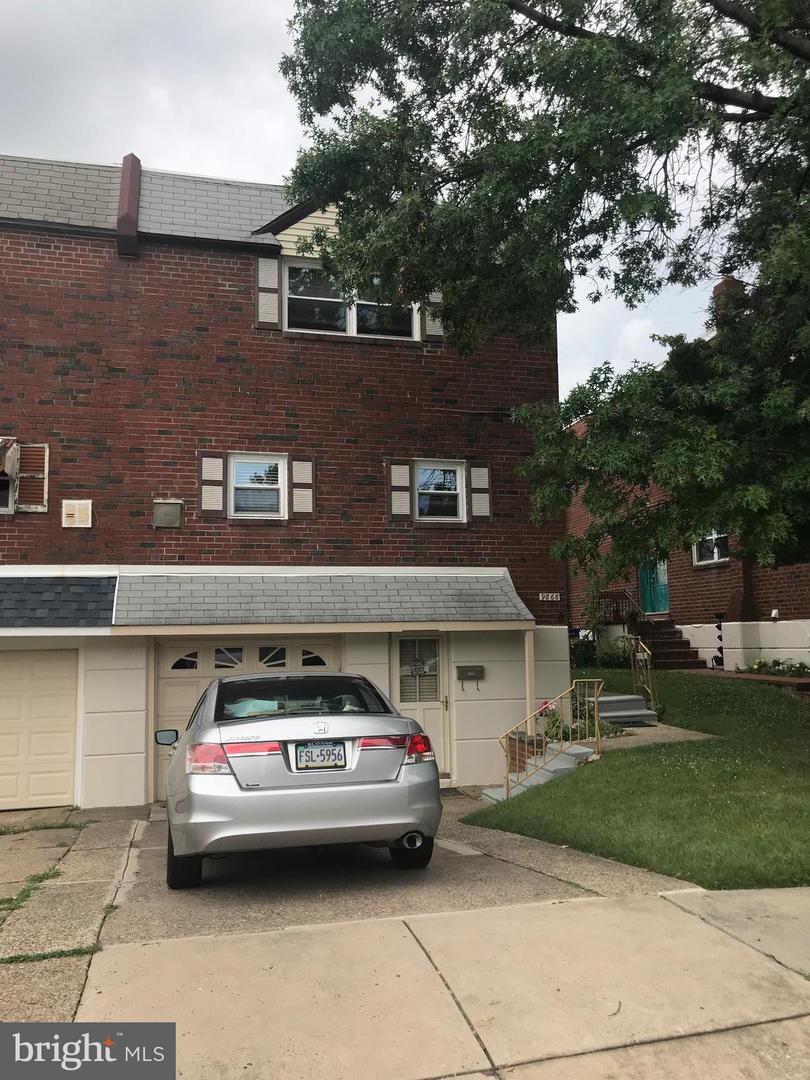 9868 Bonner Street Philadelphia , PA 19115
