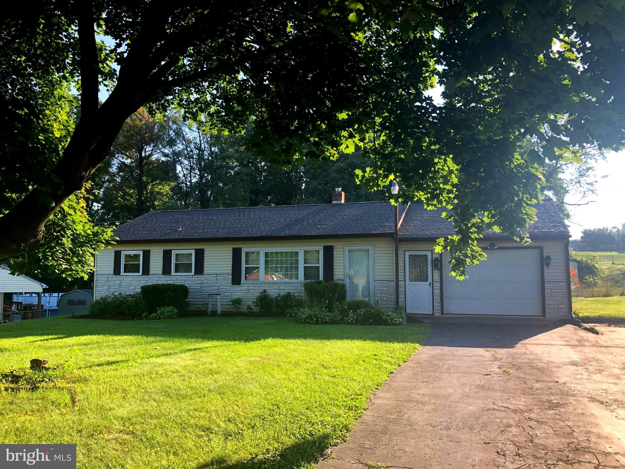 202 MCLAND ROAD, MOUNT HOLLY SPRINGS, PA 17065