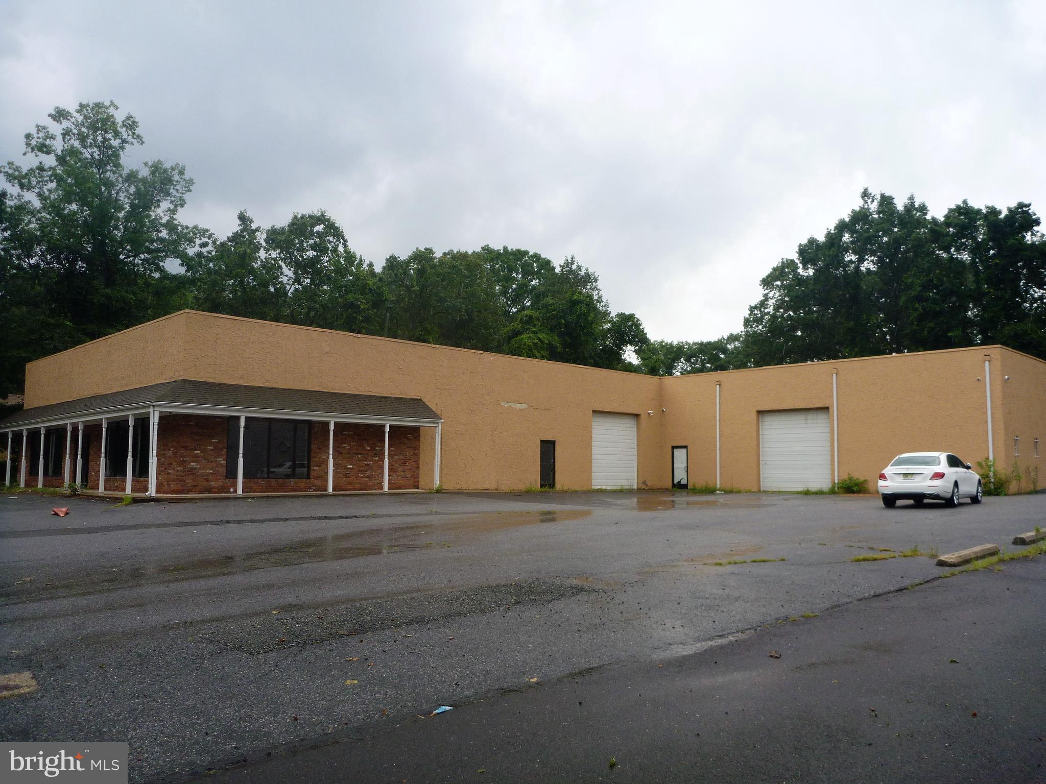 140 S LAKEVIEW DRIVE, GIBBSBORO, NJ 08026