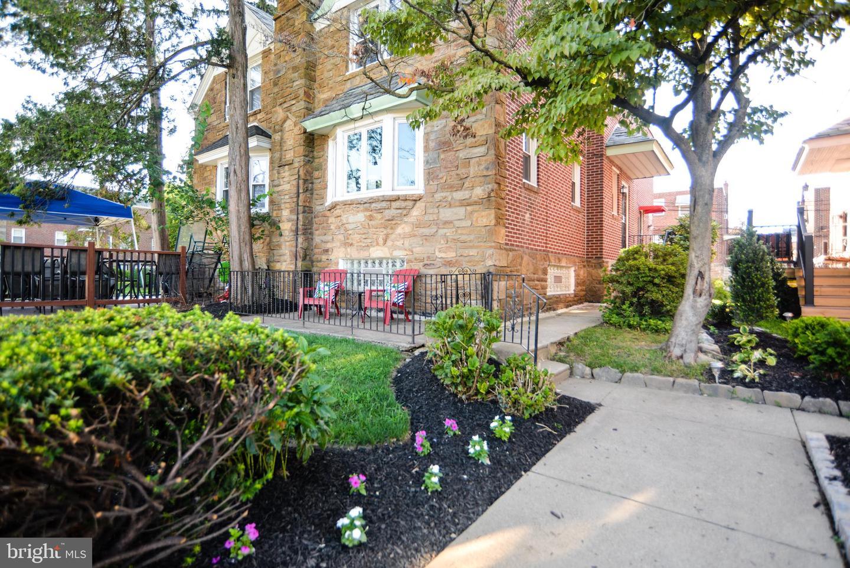 903 E Sharpnack Street Philadelphia, PA 19150