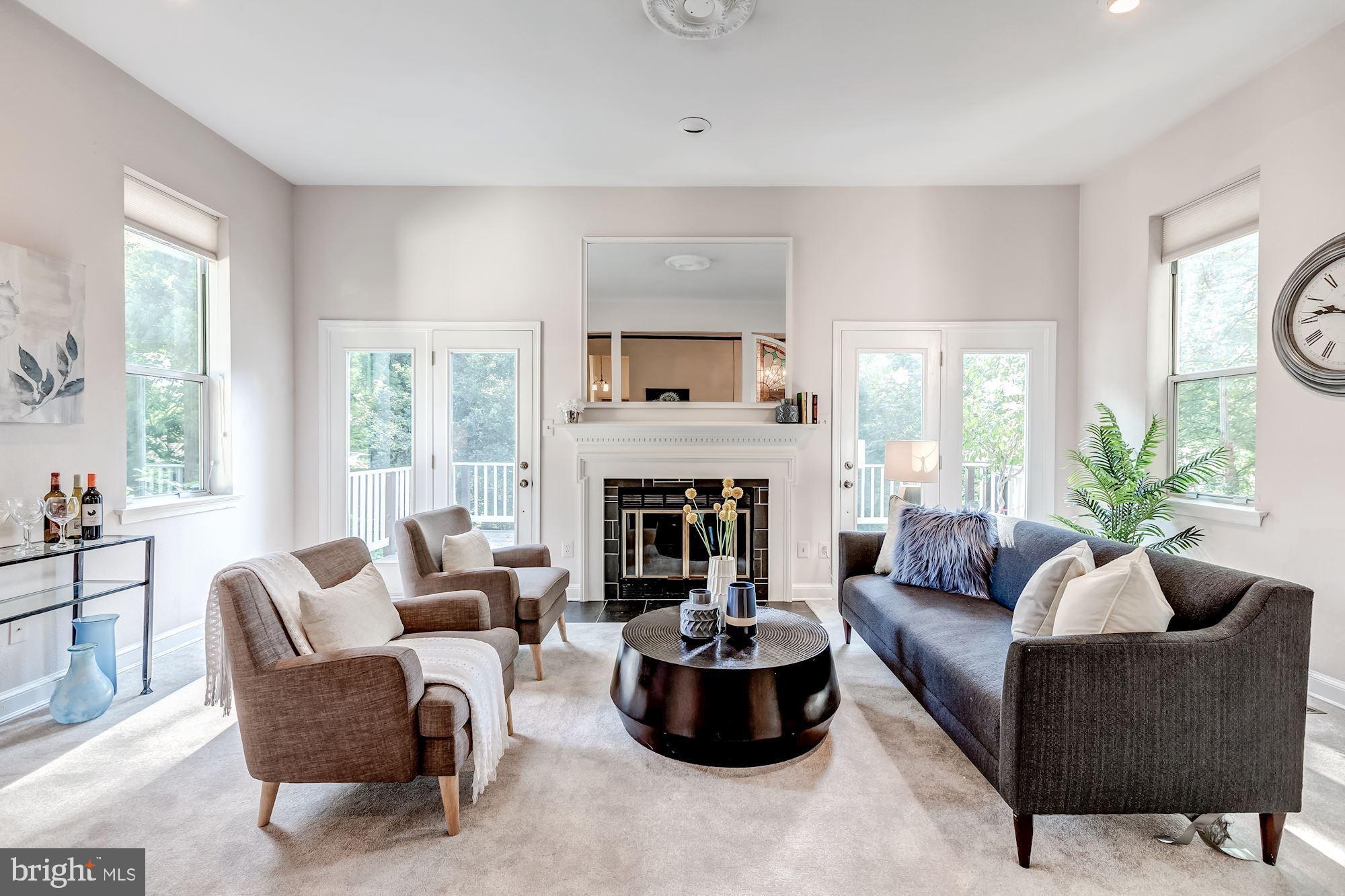 2375 N Edgewood Street, Arlington, VA 22207 | Julie Tremblay