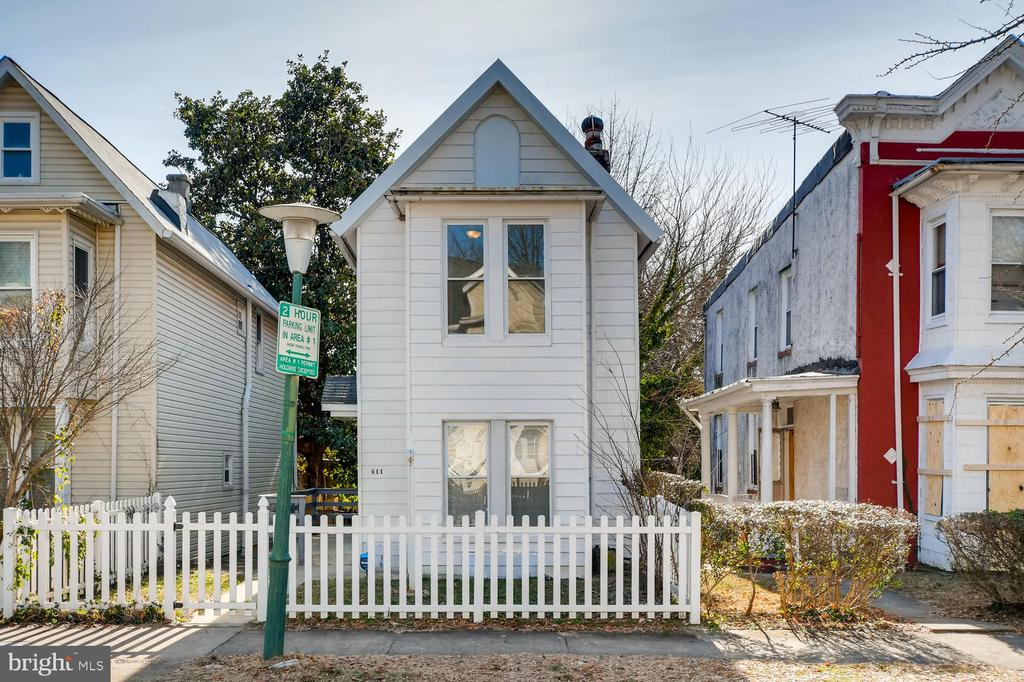 Welcome home! Beautifully renovated 3 BR/1.2 BA single family home at a townhome price! Just a hop, skip, and a jump from JHU! This perfectly priced home offers granite countertops, SS appliances, and table space in the kitchen. Fully fenced yard. HVAC (2016). HWH (2018). Interior is lead free. Enjoy single family living at a townhome price. Come check out this gorgeous property before it's gone!