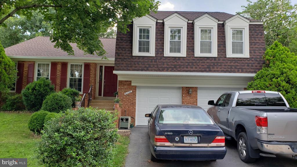 Burke Homes for Sale -  Two Story,  6130  WICKLOW DRIVE