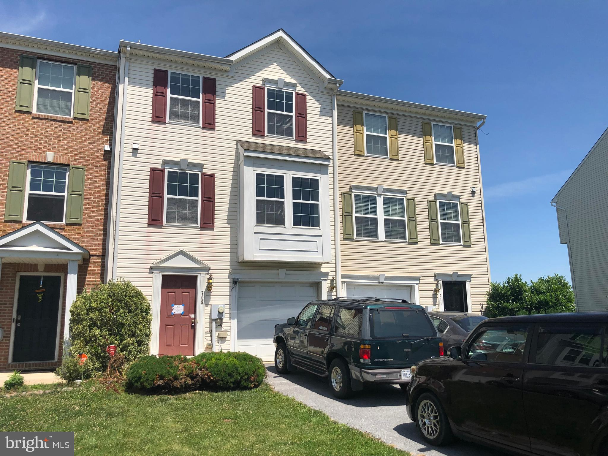 Great location! Home is located in the Prentiss Point SD, close to major roads, shopping and entertainment. This 3 story townhouse has a fully finished basement making it a 3 BR, 3.5 BA home with a fenced rear yard and 2nd level deck, just off the dining area. This property may qualify for Seller Financing (Vendee) .