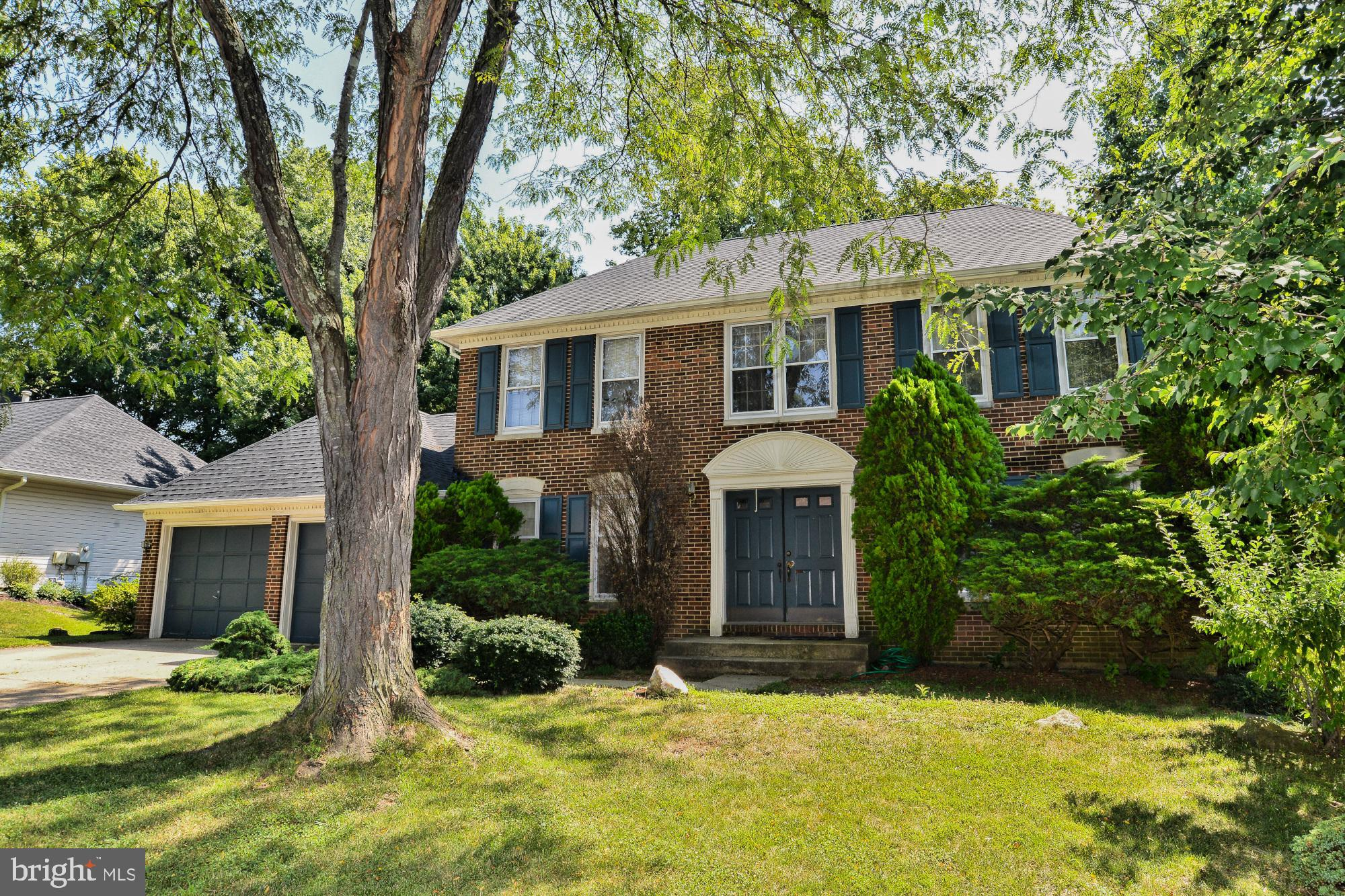**Lovely Sheffield Model, almost 4,000 sq ft of living space on a no-thru street with entrance at the end for Pohick Stream Valley park-walk to Lake Mercer or South Run Rec Center! Gorgeous curb appeal, center hall Colonial style with double door entry to spacious foyer. Formal living & dining rooms w/ hardwood flooring. Open concept Kitchen overlooks breakfast area & relaxing family room w/ brick hearth fireplace, built-ins & wet bar. Walk-out to Deck with stairs to backyard. Main level laundry. Enormous Master suite featuring sitting rm or convert to 4thBR, 2 walk-in closets, dressing area & huge, private bath. Master bath offers dual sink vanities, sep shower & step up soaking tub. 2nd & 3rd bedroom have ample closet space & share a hall bath with dual sink vanity. Fully Finished lower level offers expansive RR, full bath, 5th bedroom & storage room. Great home in fantastic location-come in and remodel as you want!