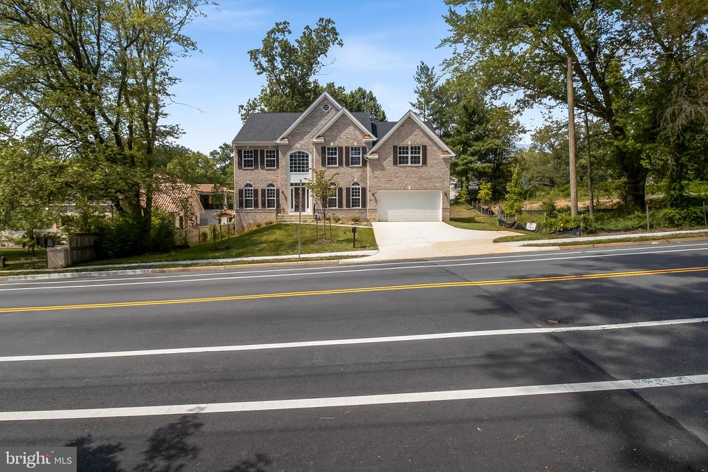 3352  ANNANDALE ROAD, Falls Church, Virginia