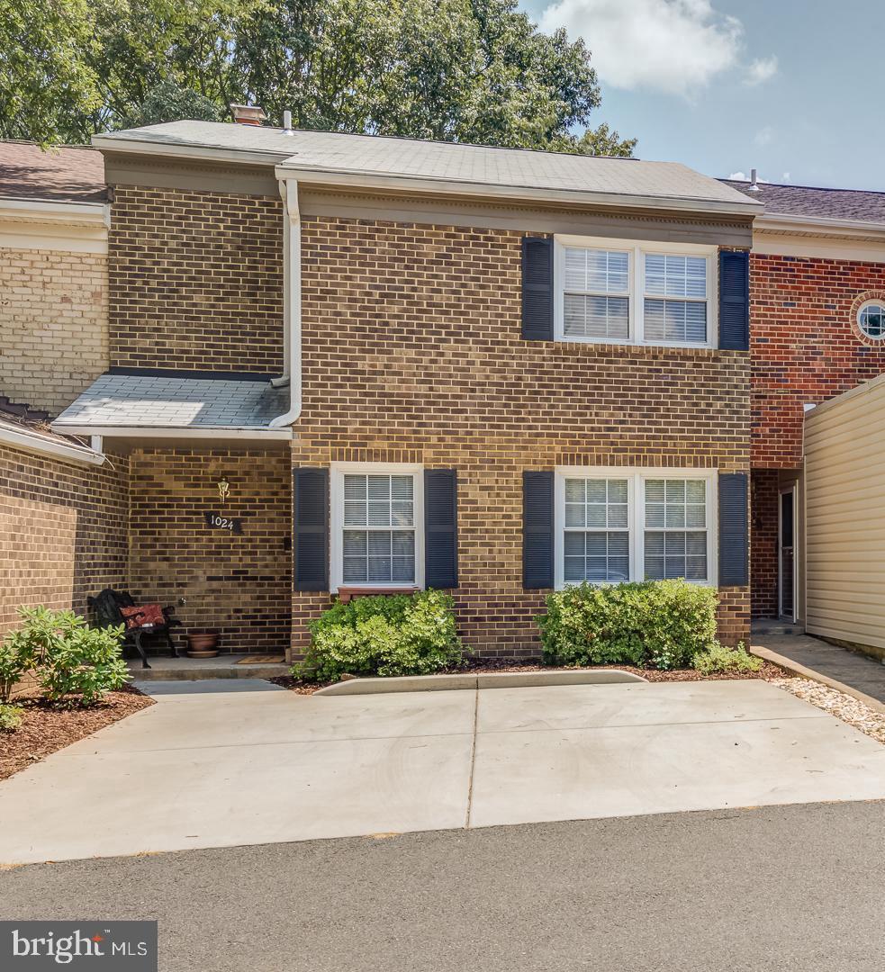 1024 Moorefield Creek Road SW  - Fairfax, Virginia 22180