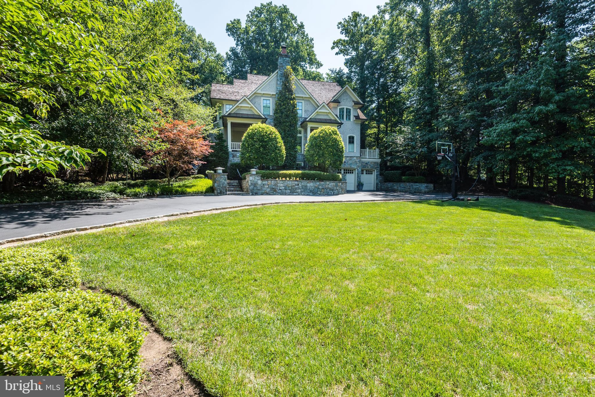 8819 CHALON DRIVE, BETHESDA, MD 20817